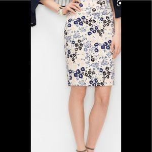Ann Taylor Petite Graphic Floral Pencil Skirt 0P